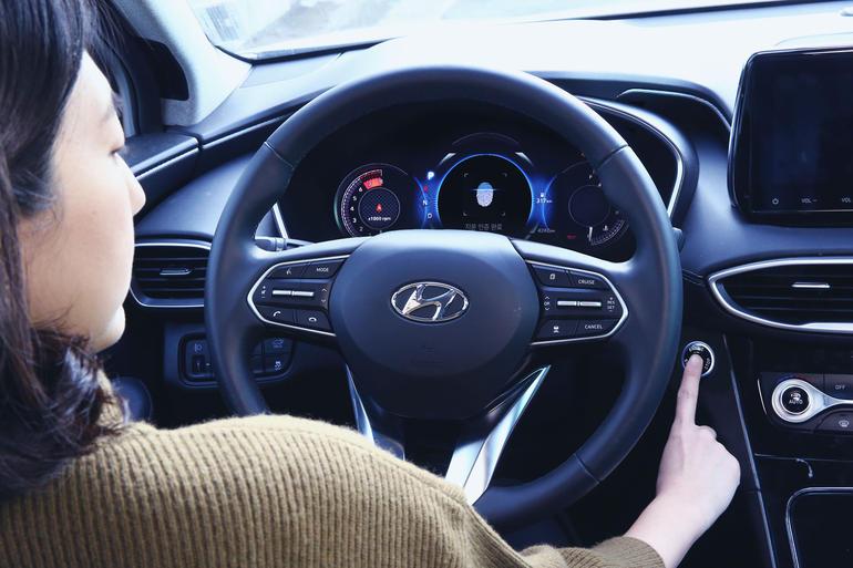 هيونداي تطور نظاماً لفتح وتشغيل سياراتها ببصمة الإصبع في 2019