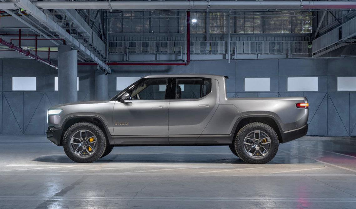 """أمازون تستثمر 700 مليون دولار في شركة صناعة السيارات الكهربائية """"ريفيان"""""""