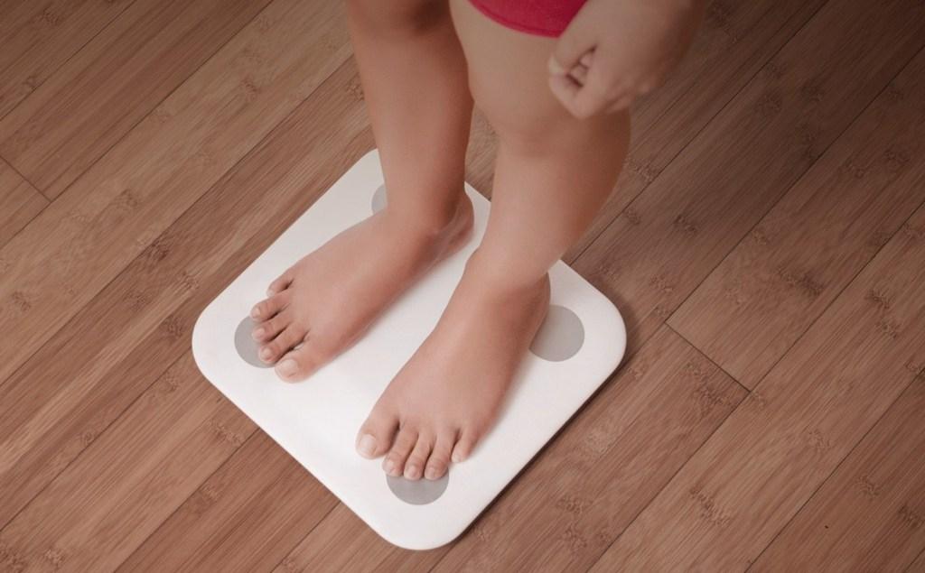 الميزان الذكي من شاومي Mi Body Composition Scale