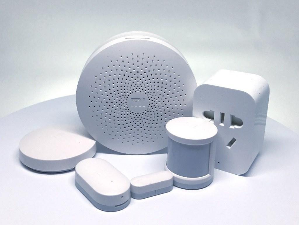 عدة البيت الذكي Mi Smart Home Kit