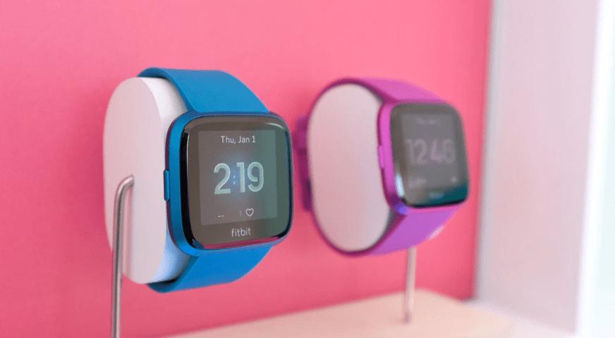 Fitbit توقع شراكة مع أديداس وخدمة Deezer الموسيقية