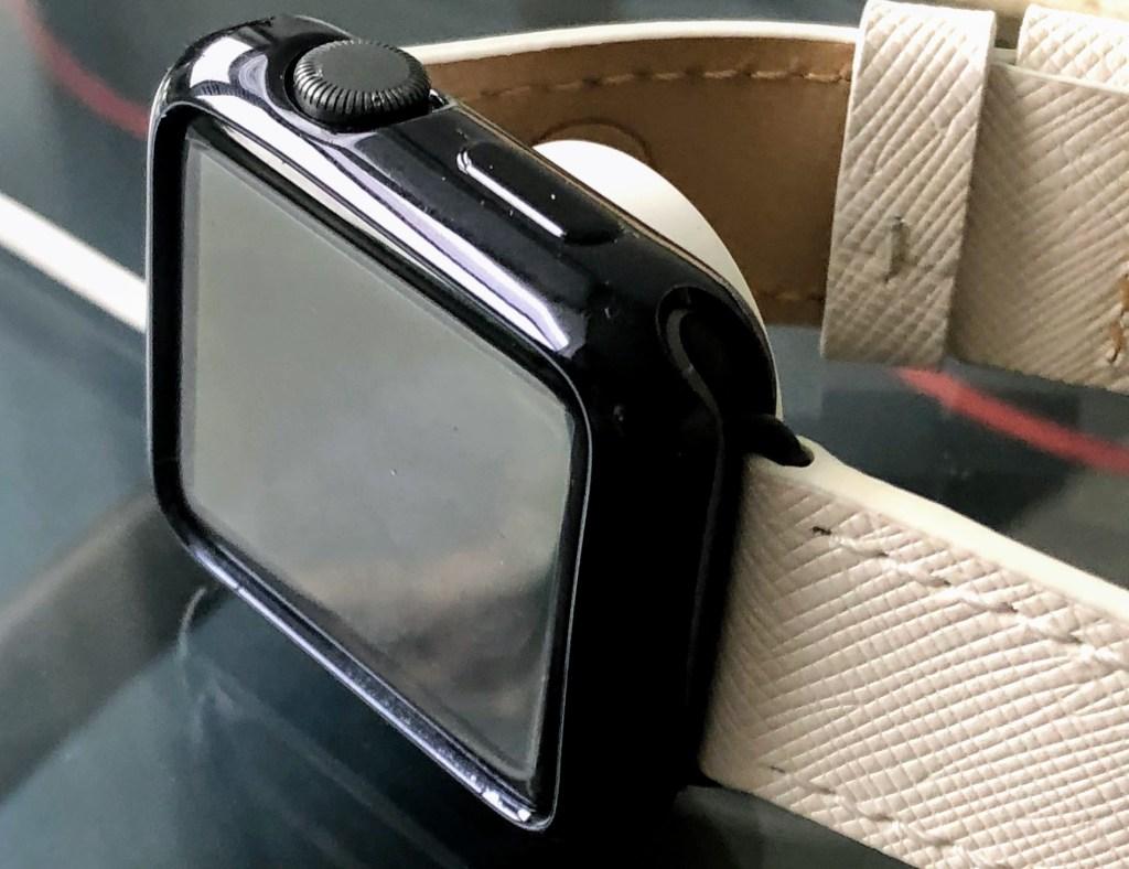 هل تمتلك ساعة آبل ؟ قائمة من اختيارنا لمجموعة من أفضل ملحقات Apple Watch