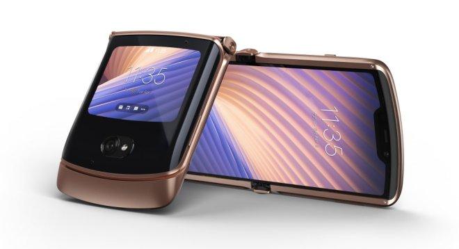 موتورولا تعلن عن هاتفها القابل للطي Razr 5G بتصميم وكاميرا أفضل من الجيل السابق