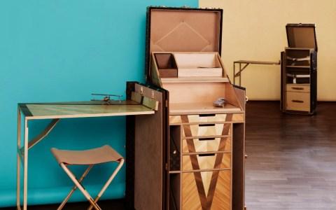 LV desk