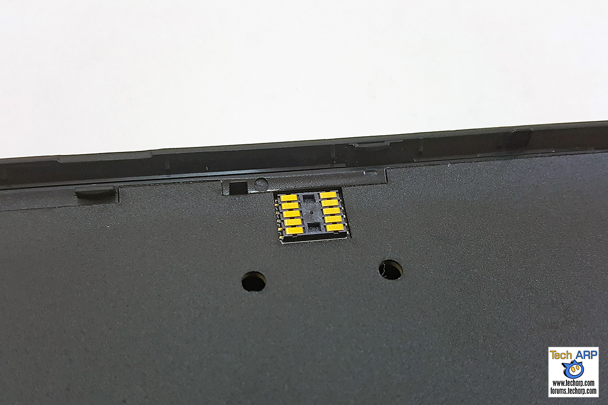 Charging the ASUS Power Case