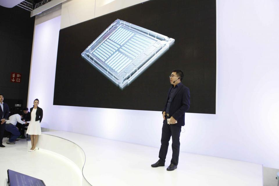 OPPO Unveils Super VOOC Flash Charge & SmartSensor Image Stabilization