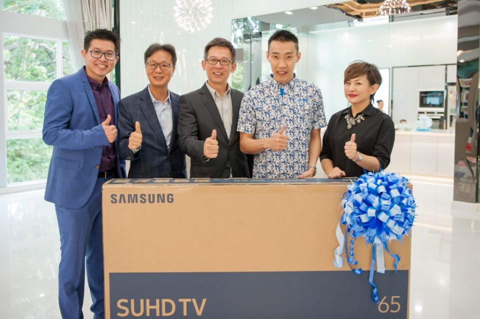 Dato' LCW Received 65-inch 2016 Samsung Curved SUHD TV