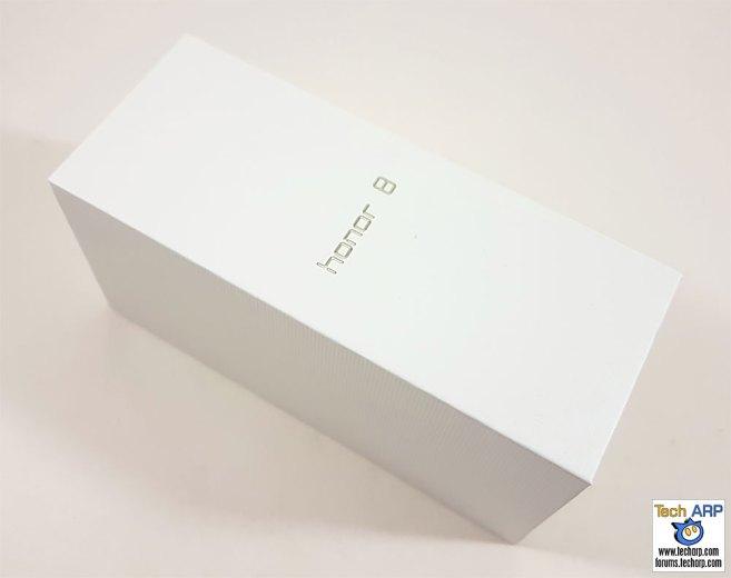 The honor 8 box