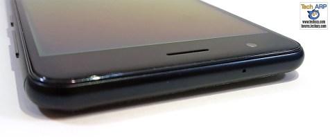 ASUS ZenFone 3 Zoom top