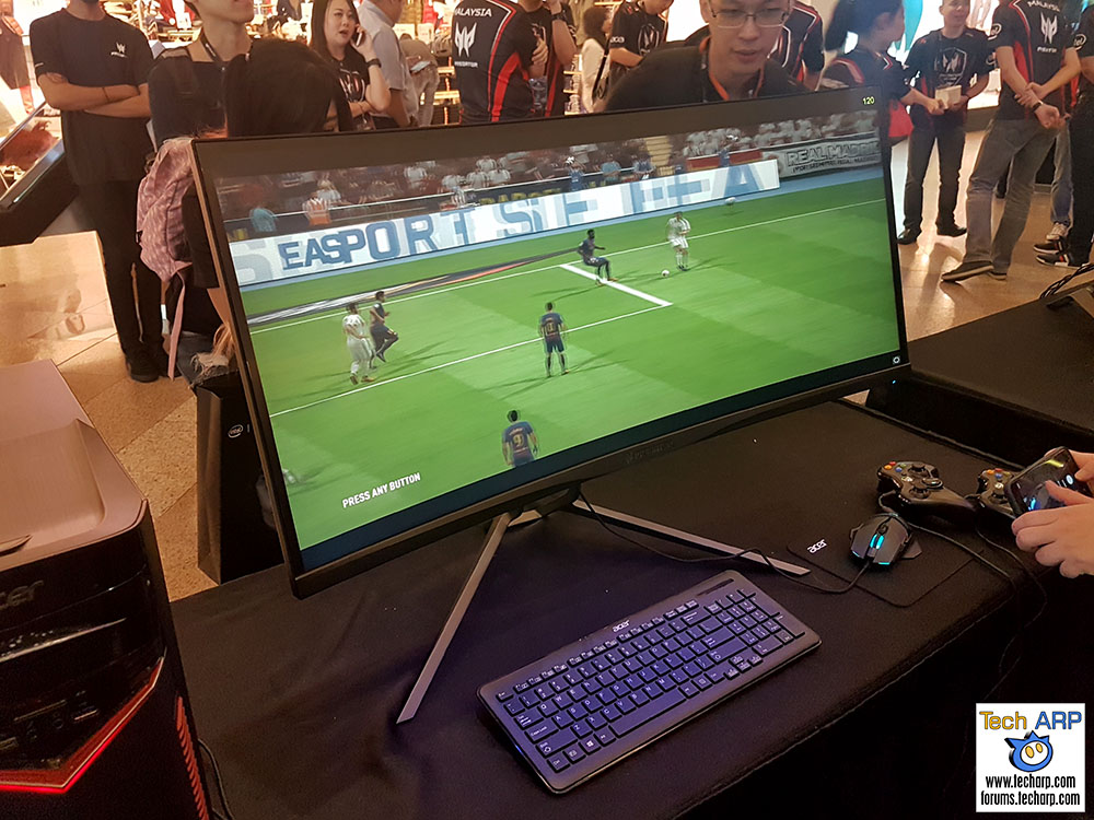 The Acer Predator X34P Curved Gaming Monitor Up Close!