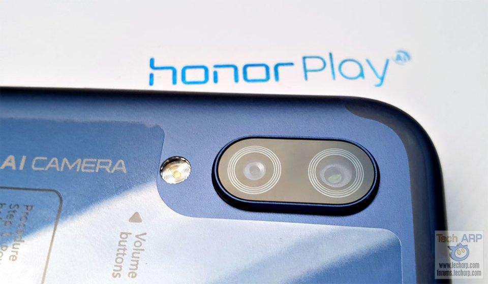 Honor Play dual lens camera