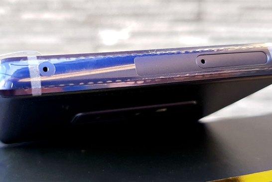 Samsung Galaxy Note9 top