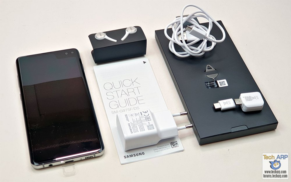 Samsung Galaxy S10 Plus box contents
