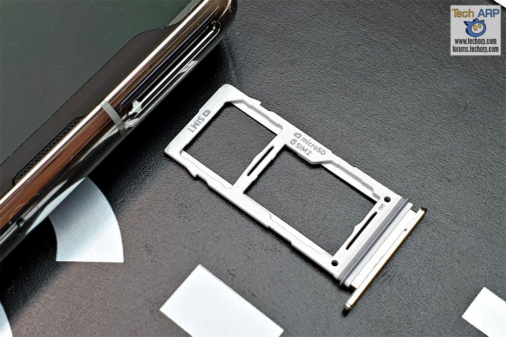 Samsung Galaxy S10 Plus hybrid SIM tray