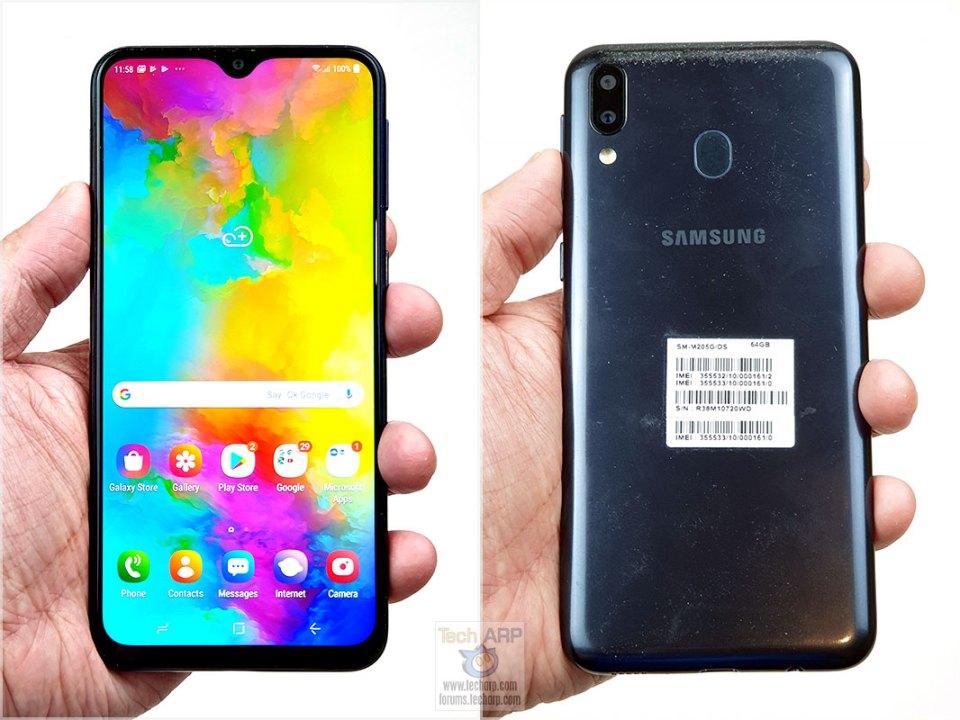 Samsung Galaxy M20 in hand