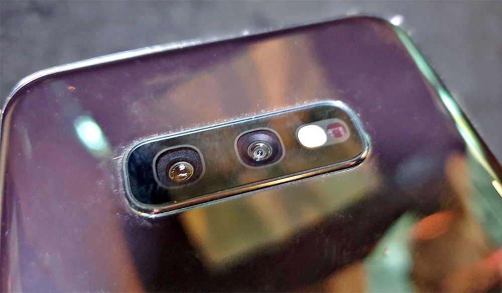 Samsung Galaxy S10e rear camera
