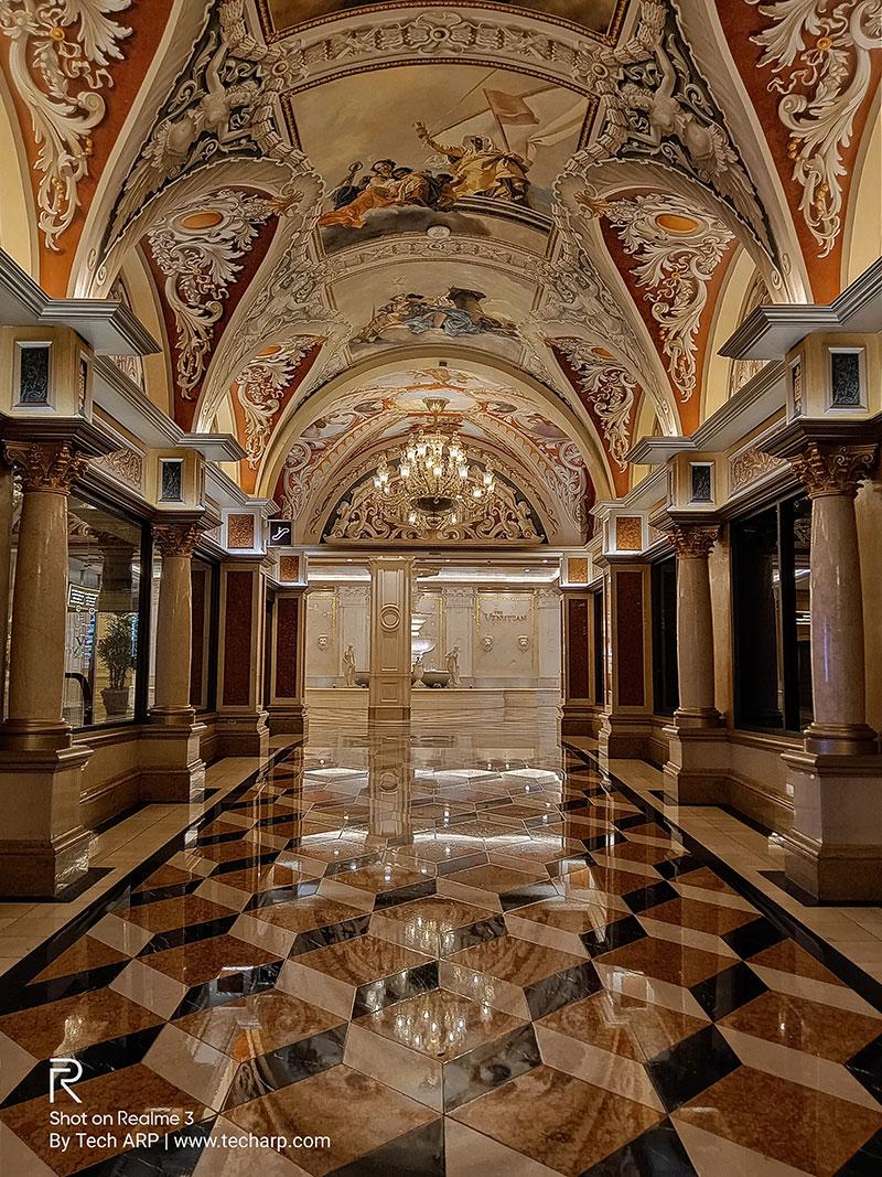 Realme 3 Las Vegas sample