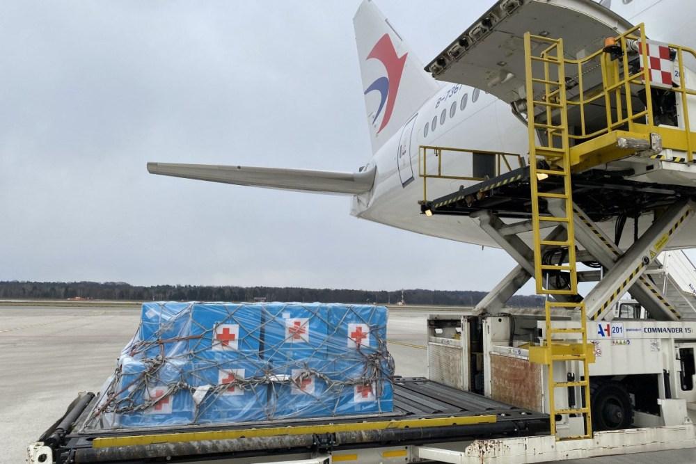 China medical air flight to US 01