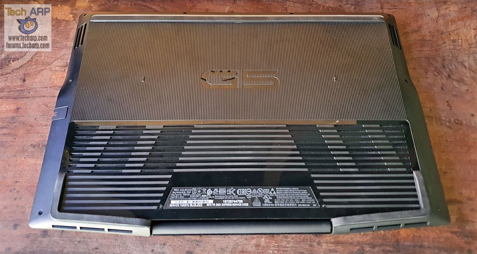 Dell G5 15 5500 bottom