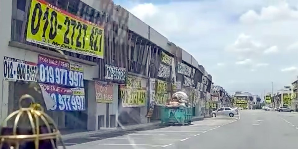 Fact Check : Empty Shops In Johor Bahru Due To COVID?