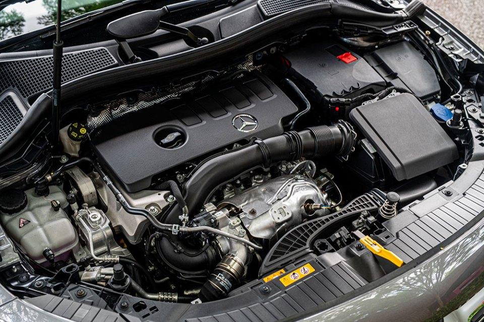 2020 Mercedes-Benz GLA 250 engine