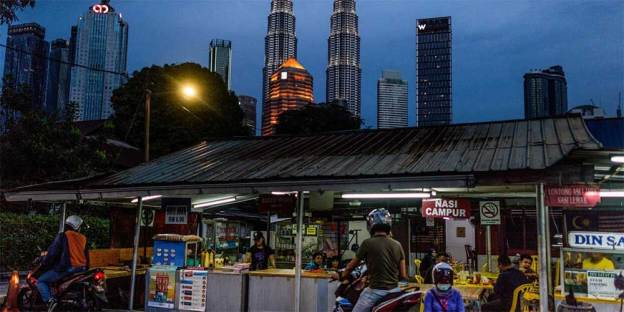 Malaysia MCO : Eateries + Restaurants Can Open Till 10 PM!