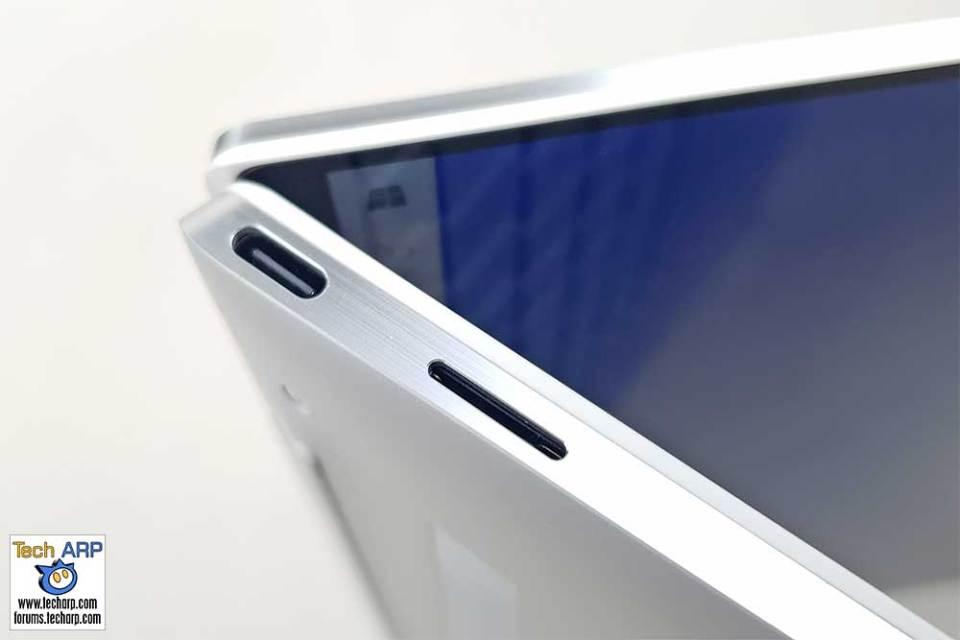 Dell XPS 13 9300 left side