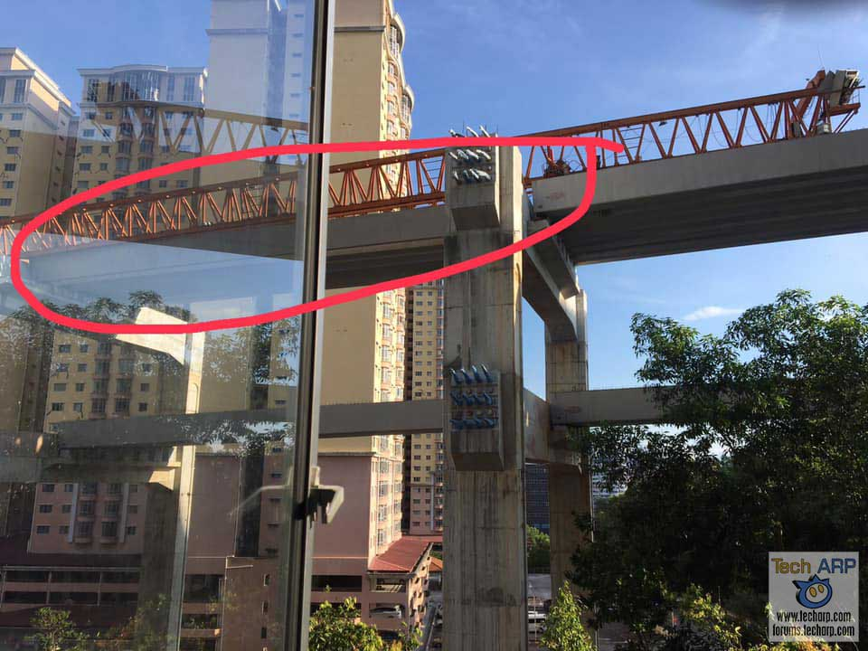 SUKE Highway crane collapse beam 01