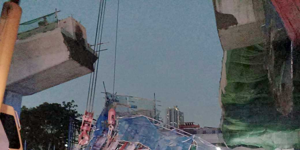 NKVE Concrete Slab Collapsed, Injuring Two Workers!