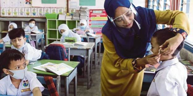 Online Learning For All Schools In Malaysia Until July 2021!