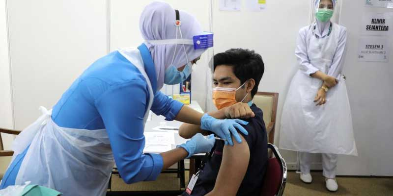 Malaysia : COVID-19 Booster Dose To Start In October 2021!