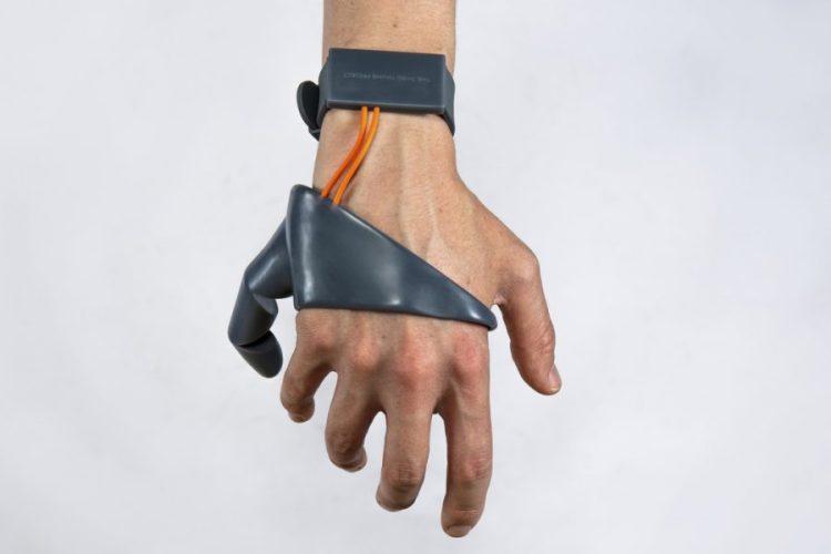 Tom's Selec - the third thumb