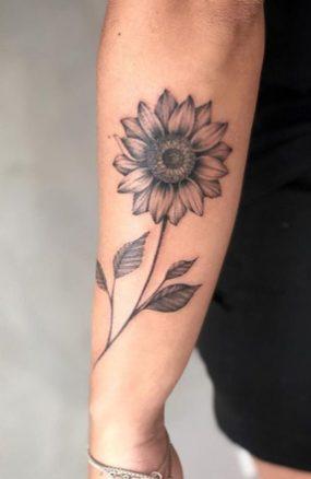 Sunflower tattoos ideas for women (14)