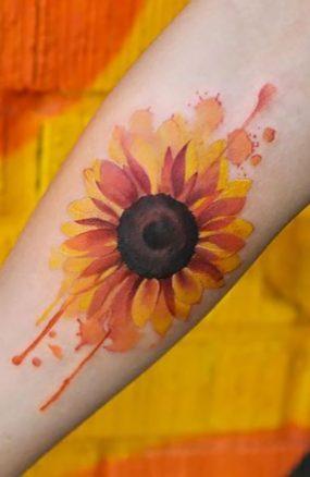 Sunflower tattoos ideas for women (17)