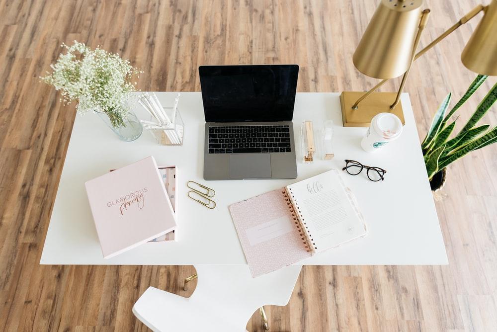 macbook laptop work office