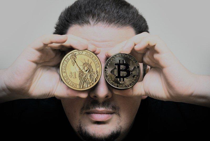 12 hand man bitcoin dollar