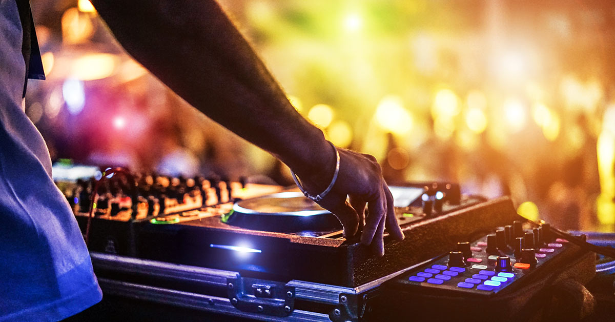 3 Live Acts Better than a DJ