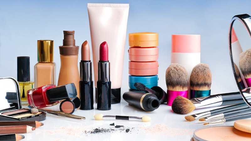 TOP 10 TIPS FOR YOUR COSMETIC SHOP