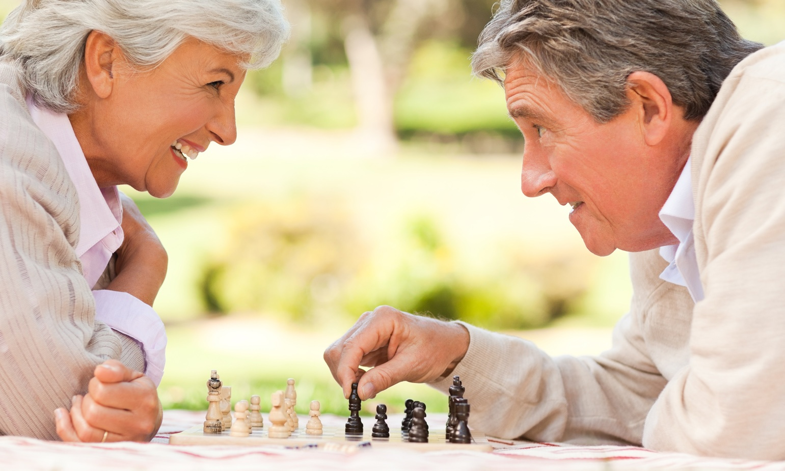 7 Important Factors to Consider When Helping an Elderly Relative Choose a Retirement Community