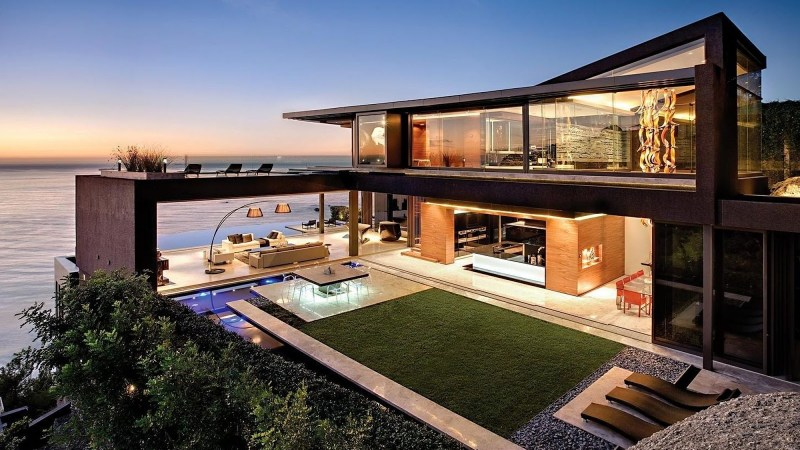 Buyer's Guide: Key Aspects of Beachfront House Designs