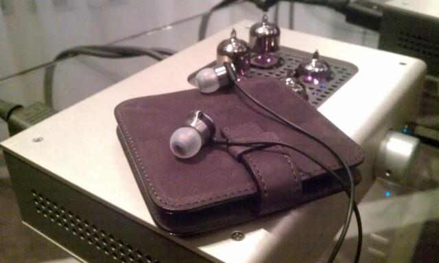 AKG K3003 earphones 24.jpg