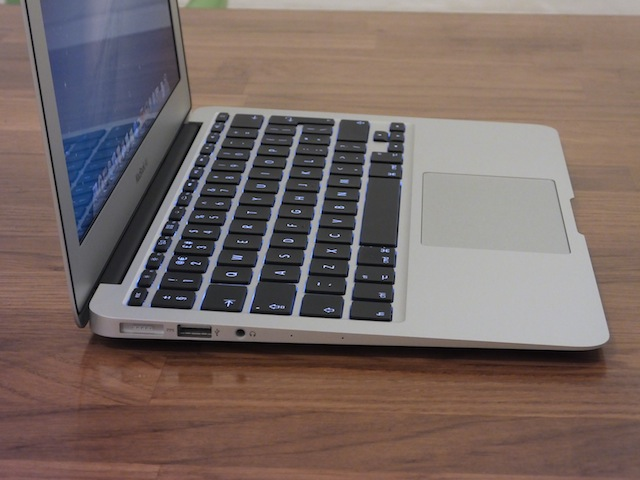 MacBook-Air-11-inch-2013-05.JPG