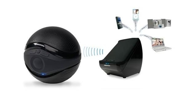 Medion E69010 speakers.jpg