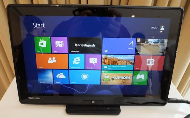 Toshiba-WT310-tablet-1.JPG