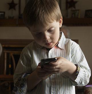 child-smartphone.jpg