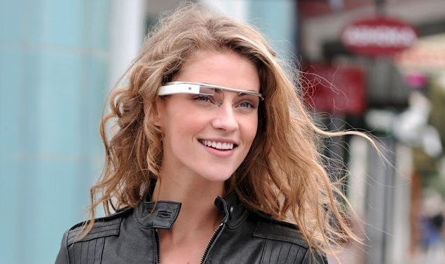 google-glass-blonde-lady.jpg