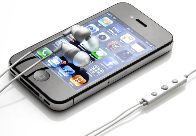 jamo-in40i-white-phones.jpg