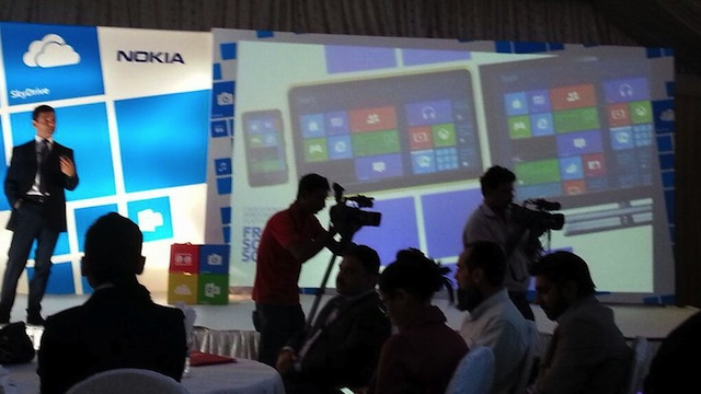 lumia-tablet-presetation-leak.jpg