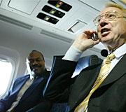mobiles-on-planes.jpg