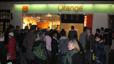 the-alternative-orange-store-window.jpg